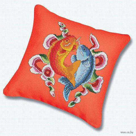 """Вышивка крестом """"Подушка. Цветные рыбы"""""""