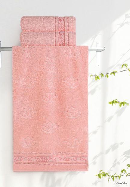 """Полотенце махровое """"Лотосы"""" (35х70 см; розово-персиковое) — фото, картинка"""