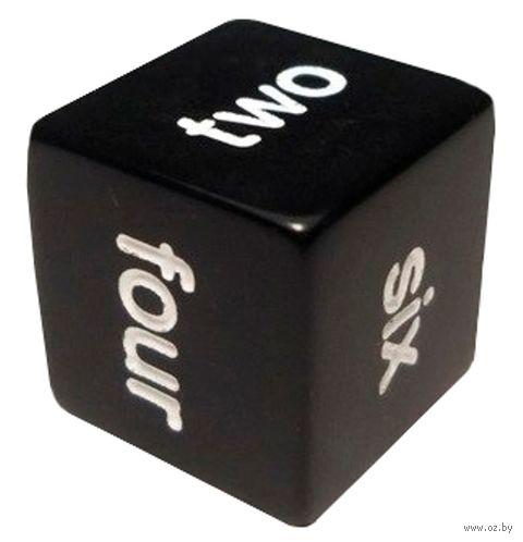 """Кубик D6 """"Английские цифры"""" (16 мм; черный) — фото, картинка"""