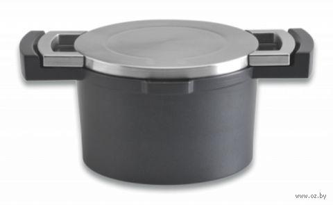 Кастрюля металлическая с крышкой (1,8 л)