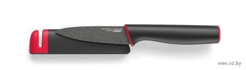 Нож в чехле со встроенной ножеточкой
