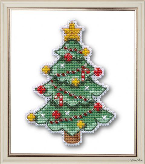 "Вышивка крестом ""Новогодняя елочка"" (70х96 мм; на магните) — фото, картинка"