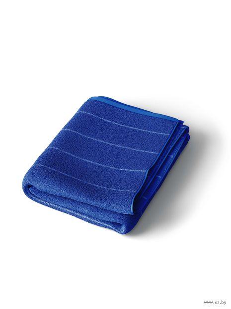 Полотенце махровое (67x150 см; темно-синее) — фото, картинка
