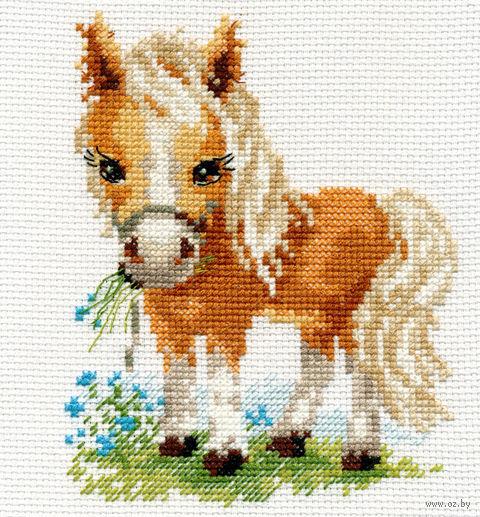 """Вышивка крестом """"Белогривая лошадка"""" (120x140 мм) — фото, картинка"""