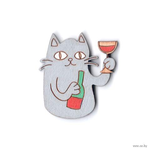 """Значок деревянный """"Котик с вином"""" (серый)"""