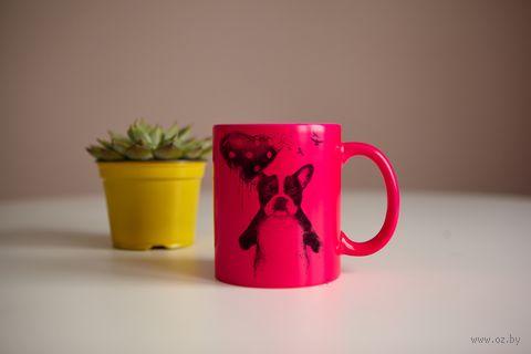 "Кружка ""Собака с шариком"" (розовая) — фото, картинка"